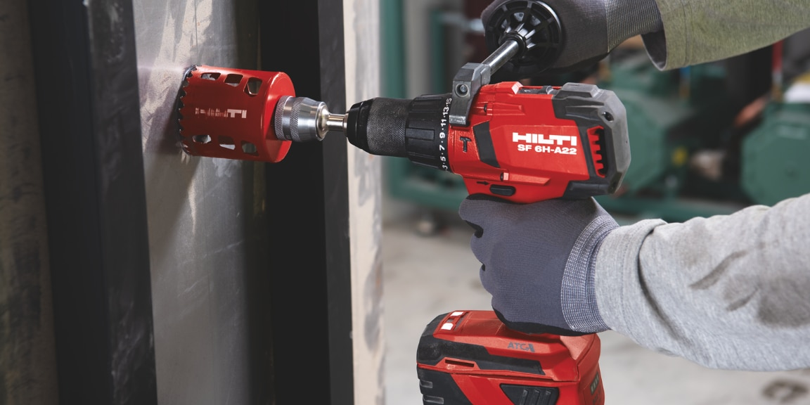 Drilling in metal with the SF 6H-A22 and hole saw